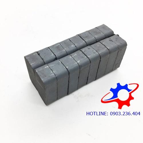 Nam châm ferrite hình hộp chữ nhật 20x10x6mm